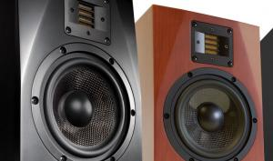 Stark: ADAM Audio A7X Studiomonitore zu gewinnen