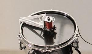 Report: Bei Moritz Simon Geist machen Roboter die Musik