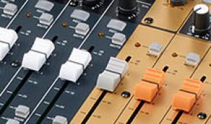Tascam Model 24 im Test: Live-Mixer mit cleveren Studio-Features