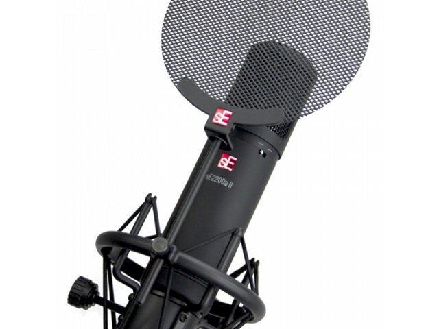 sE Electronics präsentiert das Mikrofon sE2200a II