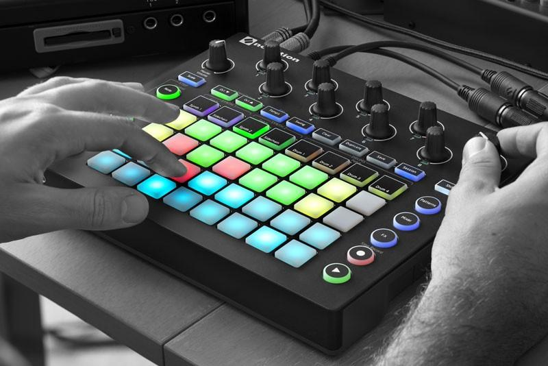 Novation Circuit - Controller, Synth & Groovemaschine
