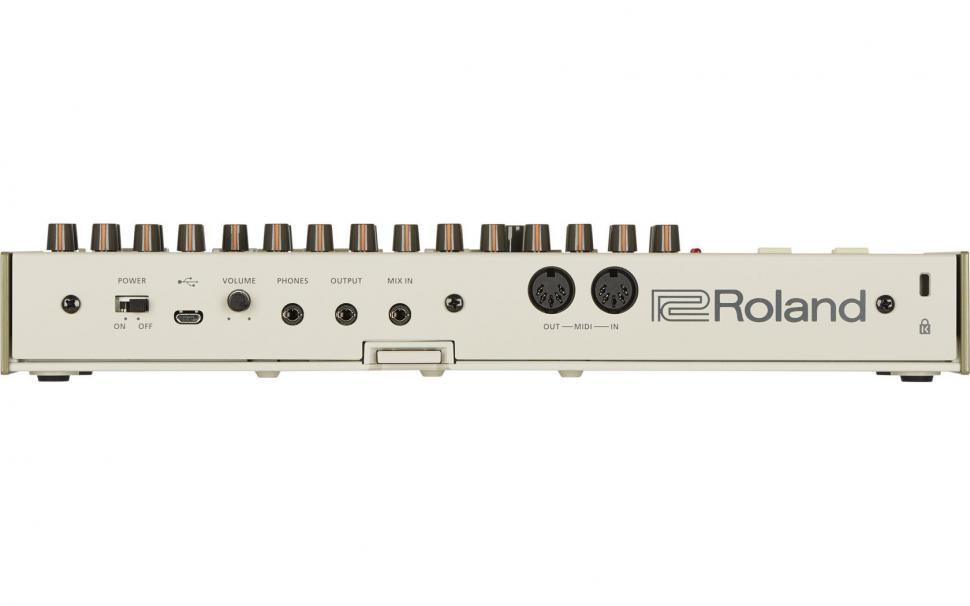 Rückansicht der Roland TR-09