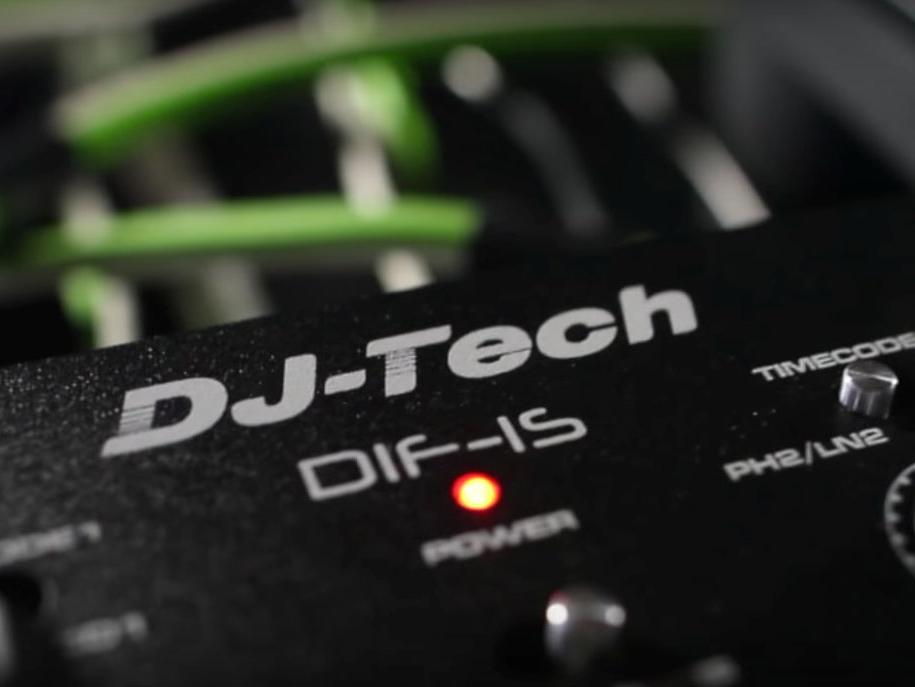 Der DJ-Tech DIF-X ist ein Buget-freundlicher Mixer für Einsteiger.