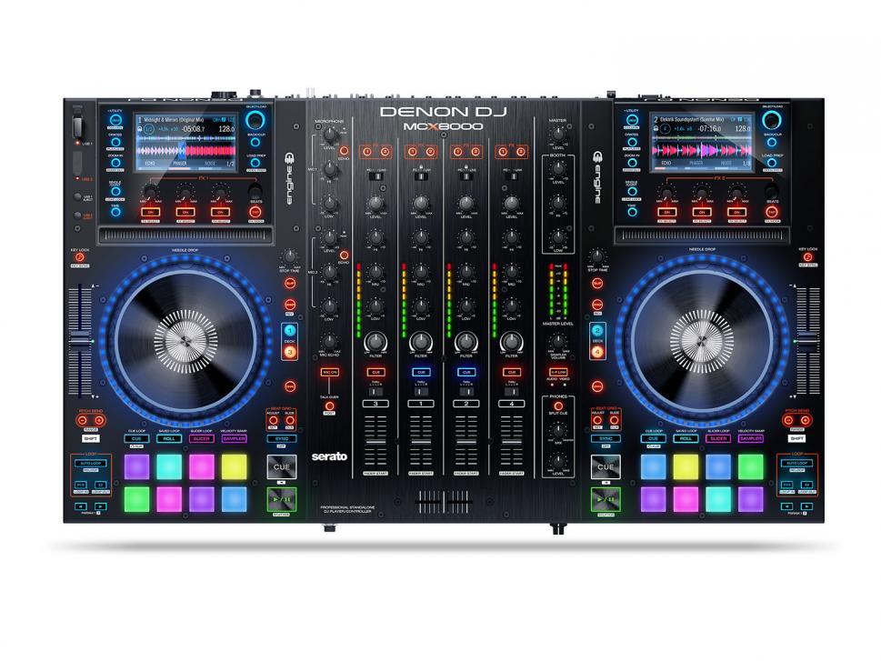Der Denon DJ MCX8000 präsentiert sich im Test als ein multifunktionales Auflegewerkzeug.