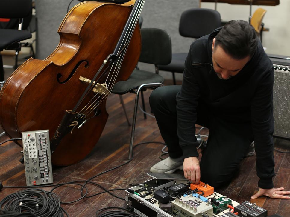 """Auf """"Voyage De La Planète"""" bringt Marc Romboy eine Phalanx analoger Synths an den Start, arbeitet aber auch gerne mit Emulationen von Arturia."""