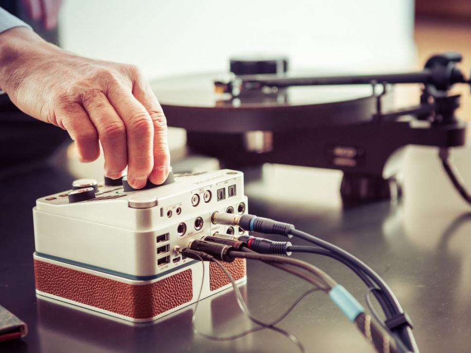 Alle wichtigen Funktionen sind direkt über die Hardware zu erreichen, AudioFuse ersetzt dabei auch einen Monitor-Controller