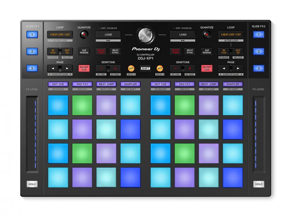 Der Pioneer DJ DDJ-XP1 steuert mit den Performance-Pads die kreativen Funktionen in Rekordbox DJ5.