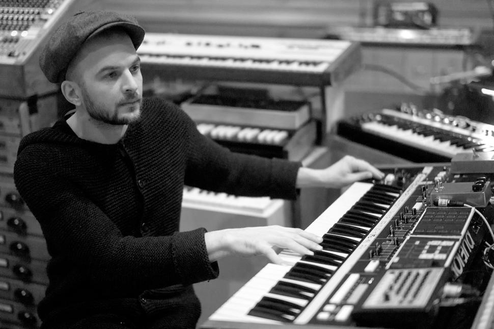 Nils Frahm in seinem neuen Studio.