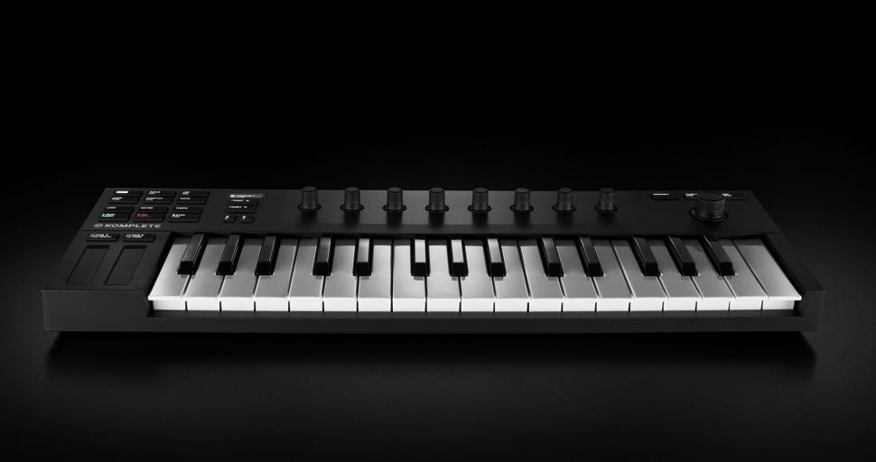 Komplete Kontrol M32: Mini-Keyboard von Native Instruments