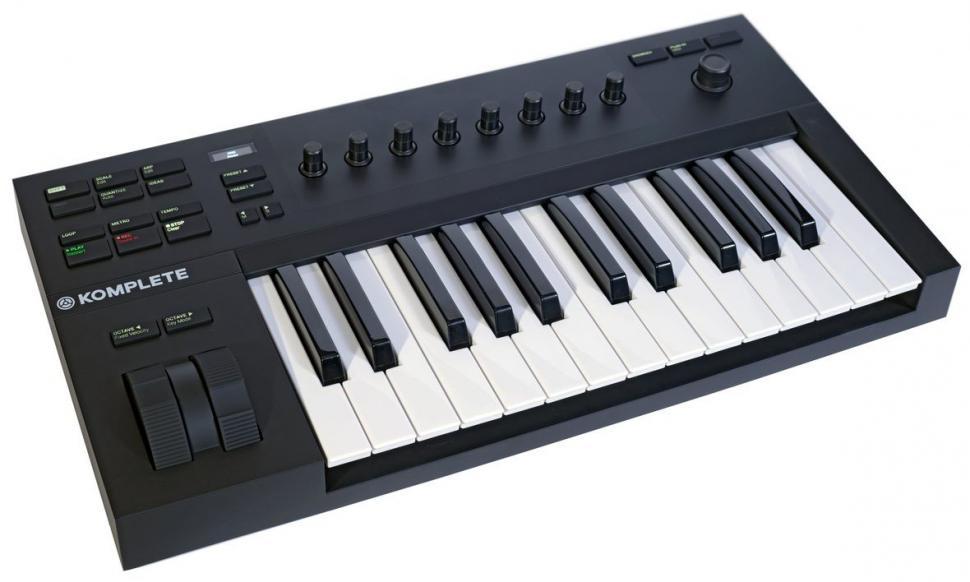 Die günstigen Keyboards sind nicht nur mit 49 und 61 Tasten erhältlich, sondern auch in kompakter 2-Oktaven-Version.