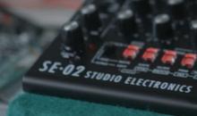 Starkes Duo: Roland & Studio Electronics kündigen SE-02 Analog-Synth an